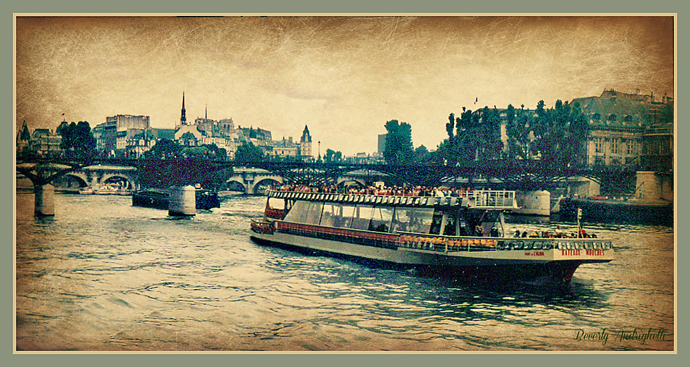 photoblog image Boat Friday - On The Seine