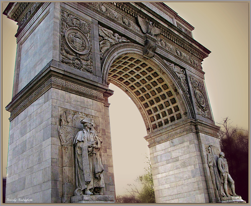 photoblog image Washington Square Arch (1892) - NYC