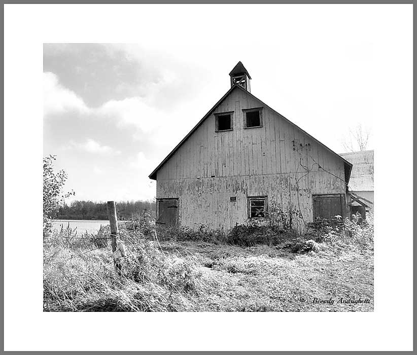photoblog image Old Barn